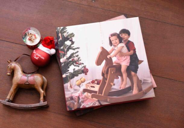 ensaio natalino lembranças de natal presentes ensaio de natal com fotos de família em estúdio fotógrafa sp laura alzueta